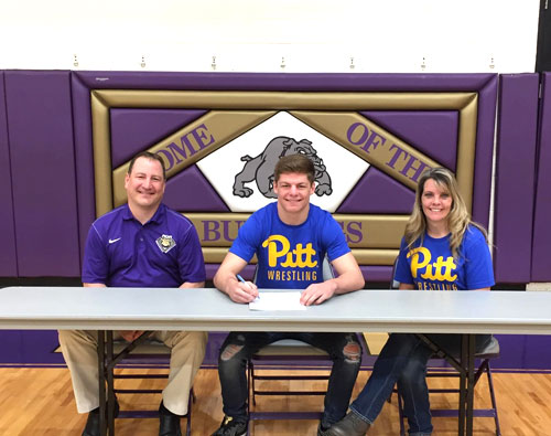 Sumner signs with Pitt